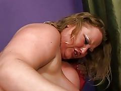 Chubby chick prefers hot sperm in her mouth